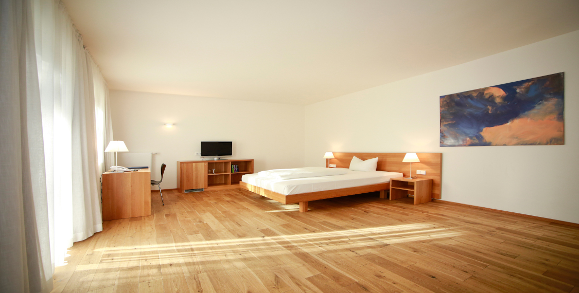 Modern and spacious rooms in the conference hotel in Bad Aibling