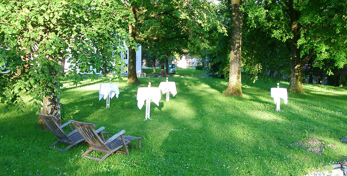 Eventhotel in Bad Aibling with green park